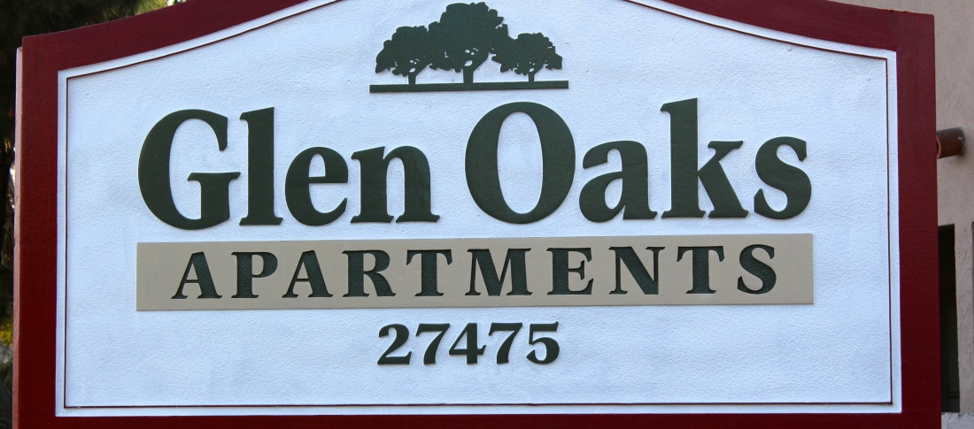 Glen Oaks Apartments